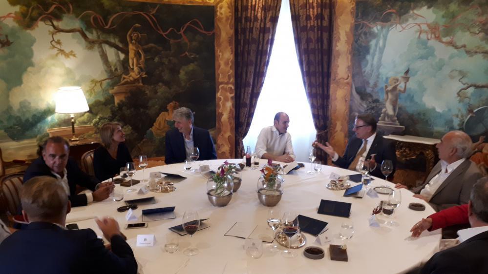 Medianet Executive Lunch Im Restaurant Le Ciel Im Grand Hotel Wien