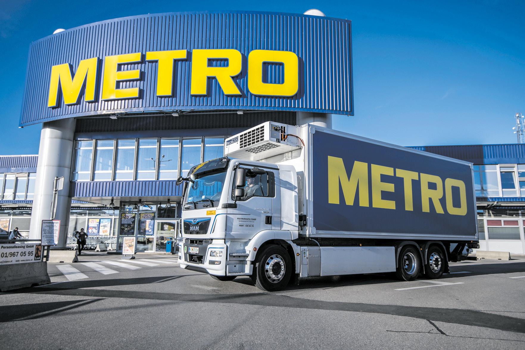 """Anlässlich des Jubiläums fährt der Großhändler das Jahr hindurch die große 360°-Kampagne """"Team Metro – 50 Jahre""""."""