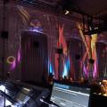 Lichteffekte an der Wand im Design der Einladung