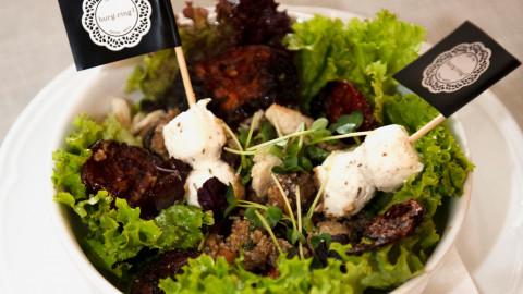 Fähnchen im Salat
