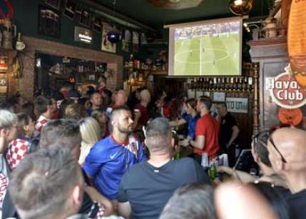 Fans gaben bei der WM 2018 rund 1,3 Milliarden Euro aus