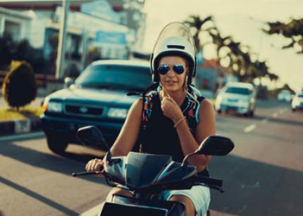 Hohes Sparpotenzial bei Moped-Versicherungsprämien