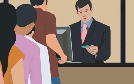 Jede zweite Bank mit weniger Jobs