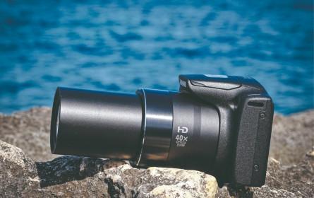 Schnappschuss-Kamera mit starkem Tele-Objektiv
