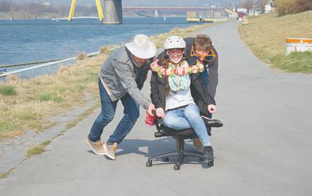 Das Rennen für Sesselkleber