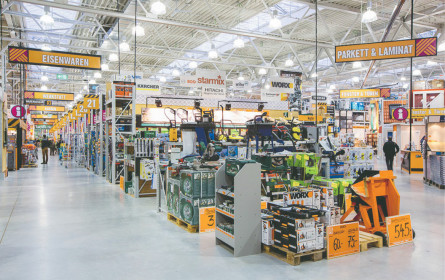 Hornbach investiert international