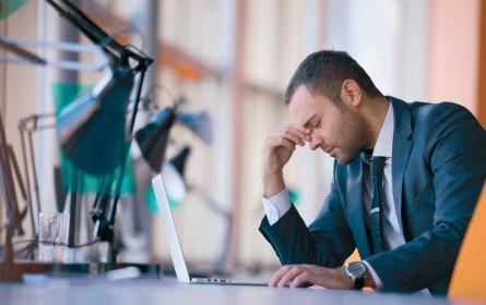 Arbeit: Psychische Belastung steigt