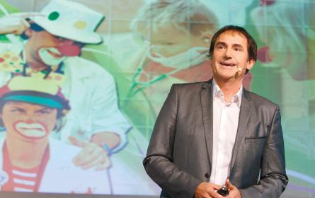 Facharzt für Innere Medizin und Humorwissenschaften