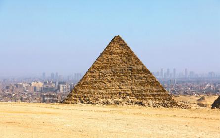 Erwachen neben den Pyramiden