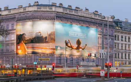 Megaboard: Neuer Standort am Karlsplatz