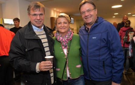 """Wirtschaftswanderung unterstützt """"Netzwerk Tirol hilft"""""""