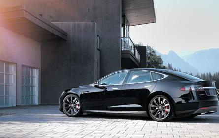 Siri, park den Tesla ein!