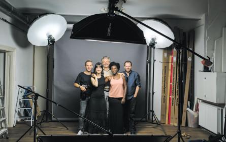 Oikocredit präsentiert neue Werbelinie