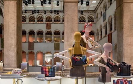 Grandioser Shopping Palazzo