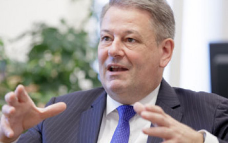 Rupprechter über EU-Einmischung bei Schnapsbrennern zornig