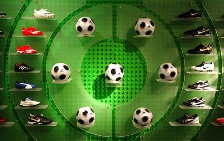 """Sporthändler will """"Beratungsklau"""" durch Gebühr verhindern"""