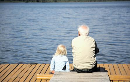 Lebenserwartung steigt, Krankheiten nehmen zu