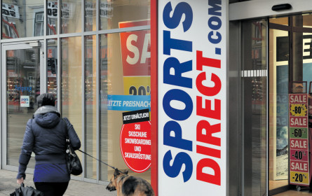 Sports Direct speckt ab