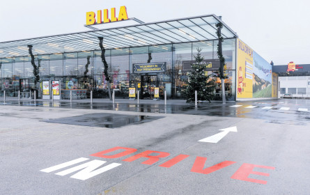 Billa fährt im Drive In mit Vollgas in die Zukunft