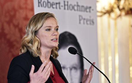 """Corinna Milborn ist """"Journalistin des Jahres"""""""