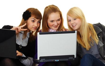 8 von 10 Jugendlichen im letzten Monat mit negativer Online-Erfahrung