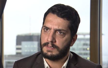 """Yücel-Anwalt: Falsche Namen als Beweis für """"Copy-Paste""""-Anklagen"""
