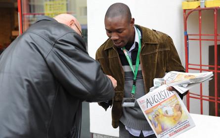 "Wiener Straßenzeitung ""Augustin"": Web-Service gegen Verkaufsrückgang"
