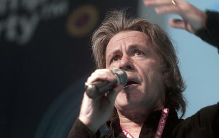 "Bruce Dickinson eröffnet das ""4Gamechangers Festival"""