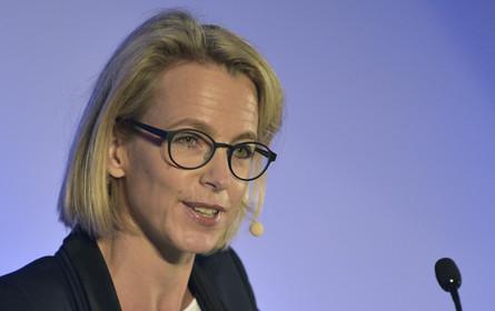 Verlagschefin Jäkel: Medien können von Facebook-Krise profitieren