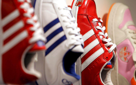 Adidas steigerte Gewinn zum Jahresauftakt kräftig