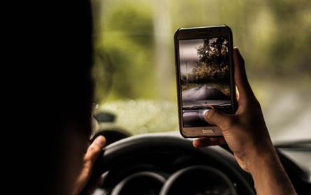 """""""Ich bin kein Smartloch"""" - Ö3-Aktion gegen Handies im Straßenverkehr"""