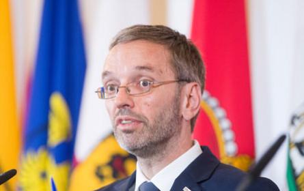 BVT-Affäre: FPÖ weist Vorwürfe von Chefredakteuren zurück