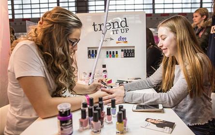 "dm bringt Europas ""Beauty Convention Glow"" nach Wien"