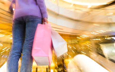 Einkaufszentren halten Umsatz trotz Online-Konkurrenz stabil