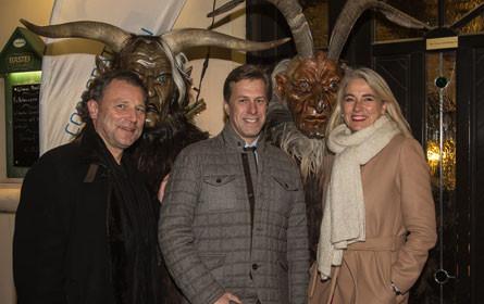 Melzer PR Group feierte mit Krampus und Schampus