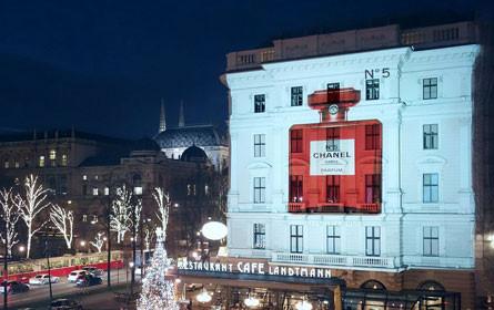 Movelight präsentiert Chanel N°5 am Café Landtmann