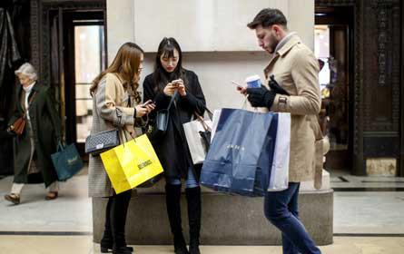 Einzelhandelsmitarbeiter wollen mit Tablets besseren Kundenservice bieten