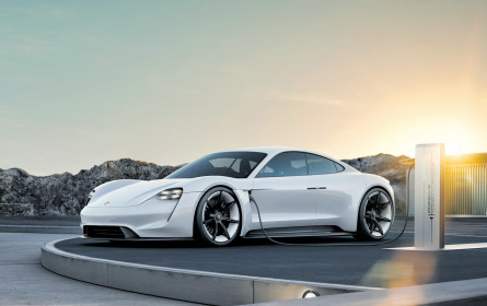 Porsche enthüllt E-Namen