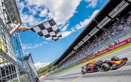 Start-Ziel-Sieg für Red Bull