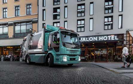 Volvo liefert E-Lkw aus