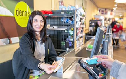 Worldline ermöglicht Bargeldabheben bei denn´s Biomarkt