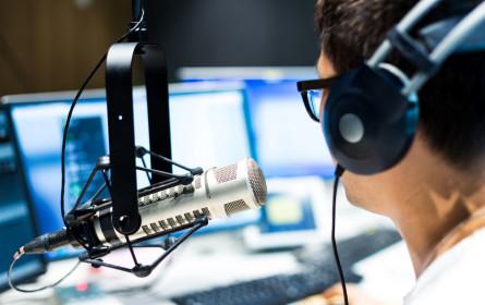 Praxisnahe Radio-Grundausbildung für Journalismus-Studierende