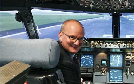 Julian Jäger bleibt Vorstand am Flughafen Wien