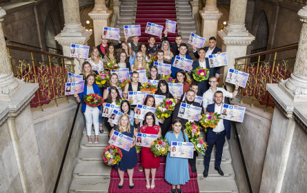Herzlich Willkommen: Erster Arbeitstag für 300 neue Spar-Lehrlinge