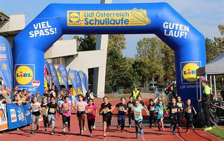 Fast 650 Starter bei Lidl Österreich Schullauf in Niederösterreich