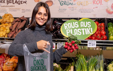 """Rewe Group Österreich setzt """"Raus aus Plastik""""-Fahrplan konsequent um"""