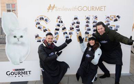 Katzenfuttermarke Gourmet läutete die Weihnachtszeit ein