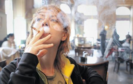 Weiter Debatte um Rauchen