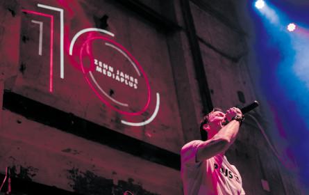 Eine fetzige Bühnenshow zum 10jährigen Jubiläum