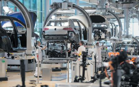 Volkswagen steigt auf die Kostenbremse